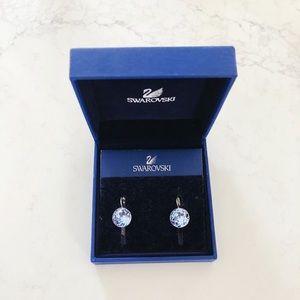 ⭐️ HP⭐️ Swarovski blue crystal drop earrings.